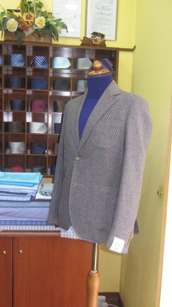 giacca sartoriale su manichino