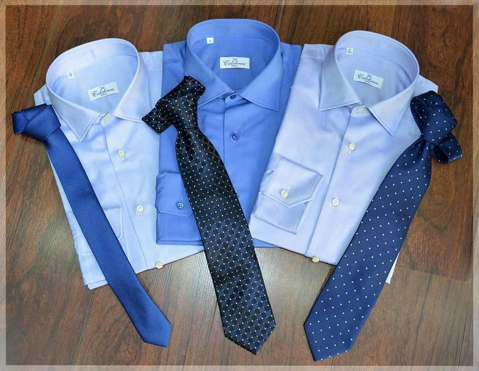 camicie e cravatte blu