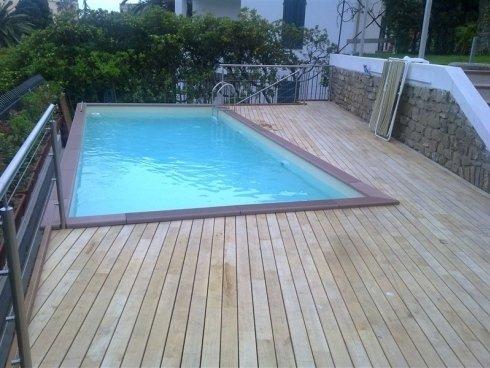piscina rettangolare su terrazzo
