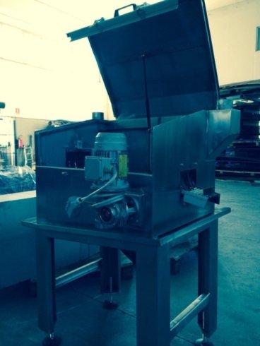 costruzione macchina per lavaggio particolari meccanici
