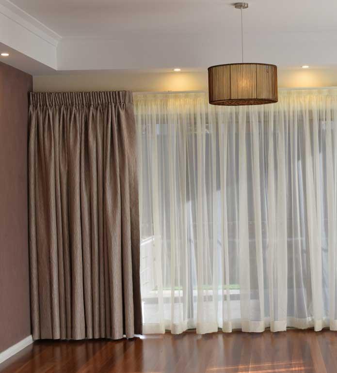 elegant curtains in beautiful dining room