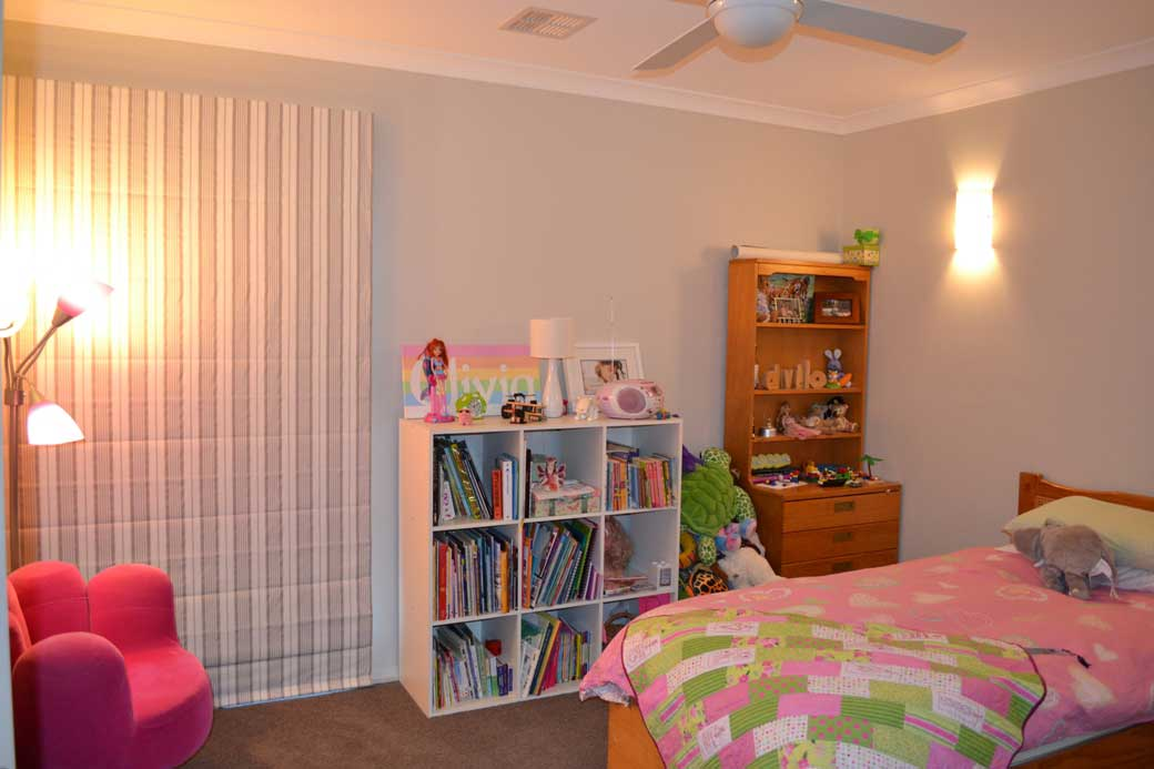 young girl room with pink bed