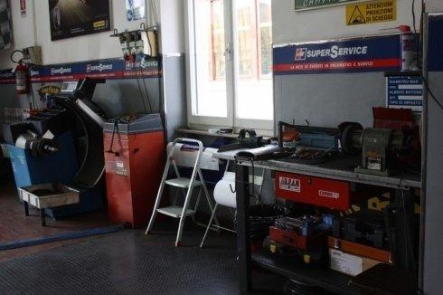banco assistenza pneumatici