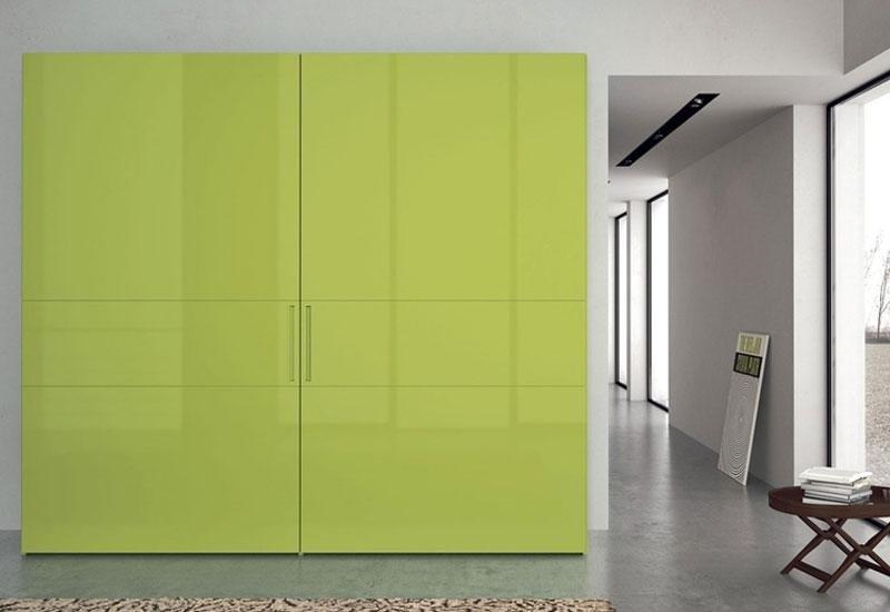 Armadio con vernice lucida verde acido
