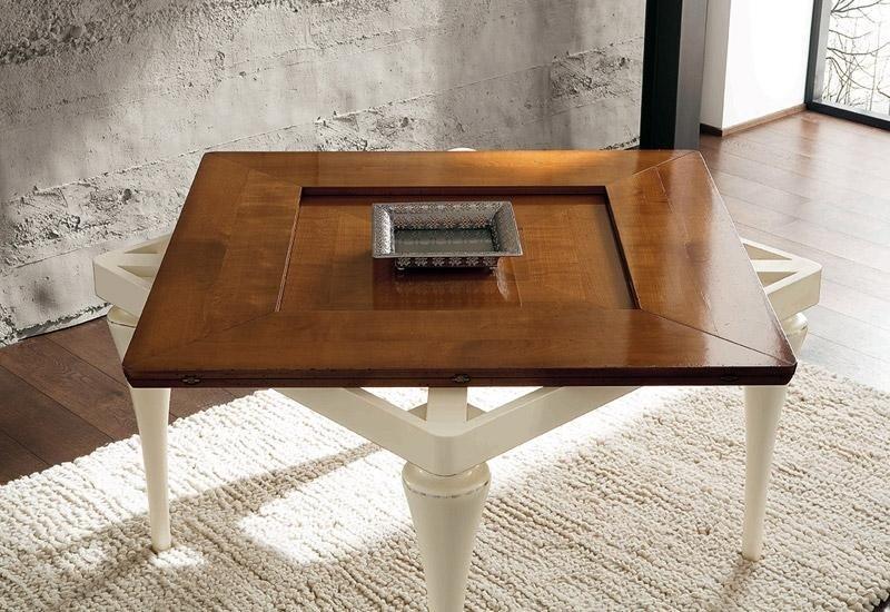 Tavolo in legno chiuso