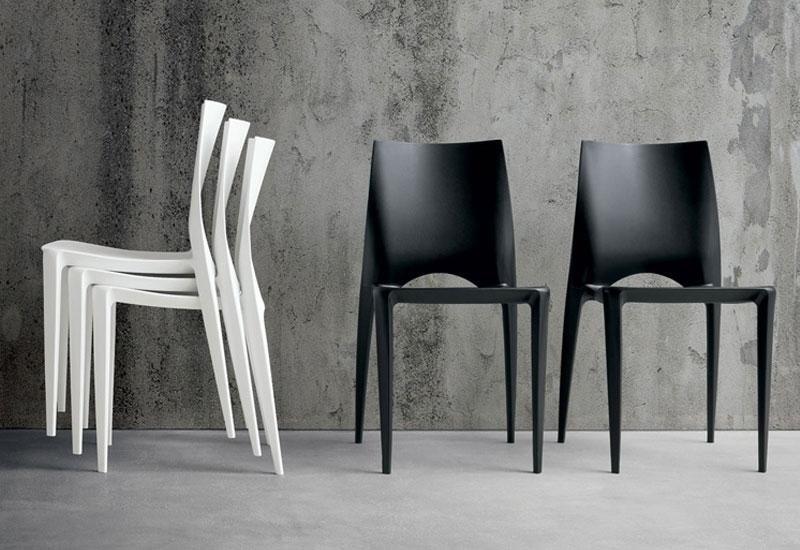 Sedie modello Emy in bianco e nero