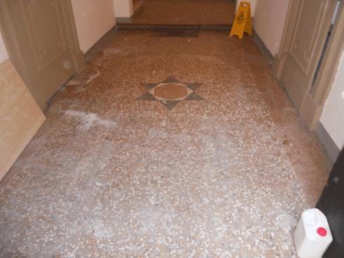 pulizia pavimento - durante