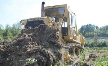 lavori di spianamento terreno agricolo