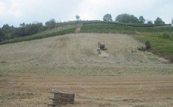 lavori di spianamento terreno
