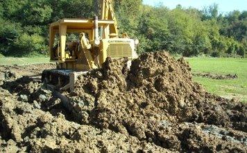 scavi per preparazione lago