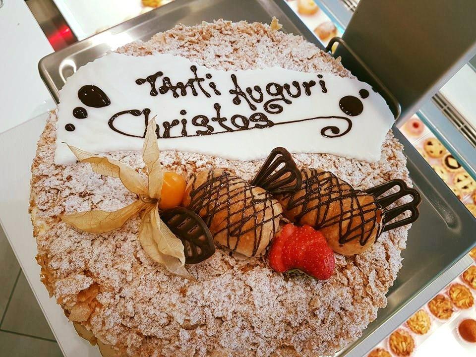 torta personalizzata alla nocciola