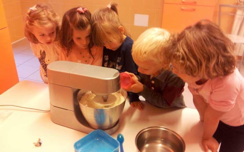 Bambini che cucinano