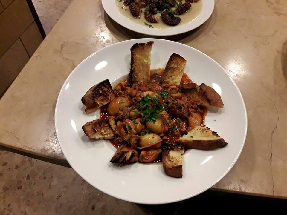 piatto di bruschette