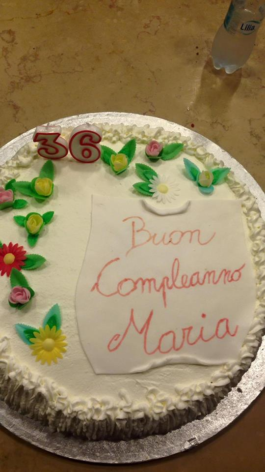 torta di buon compleanno a Maria