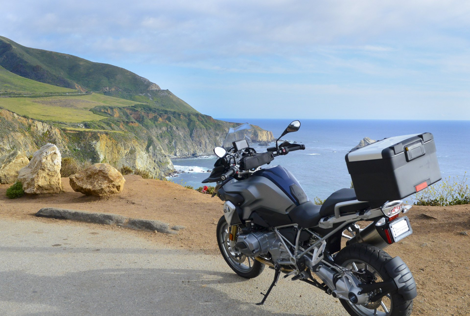 Motorcycle Rental in San Franciso showcase bike with breathtaking landscape background