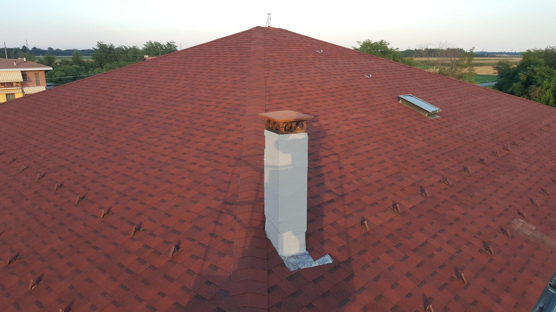 facciata principale casa con tetto isolante