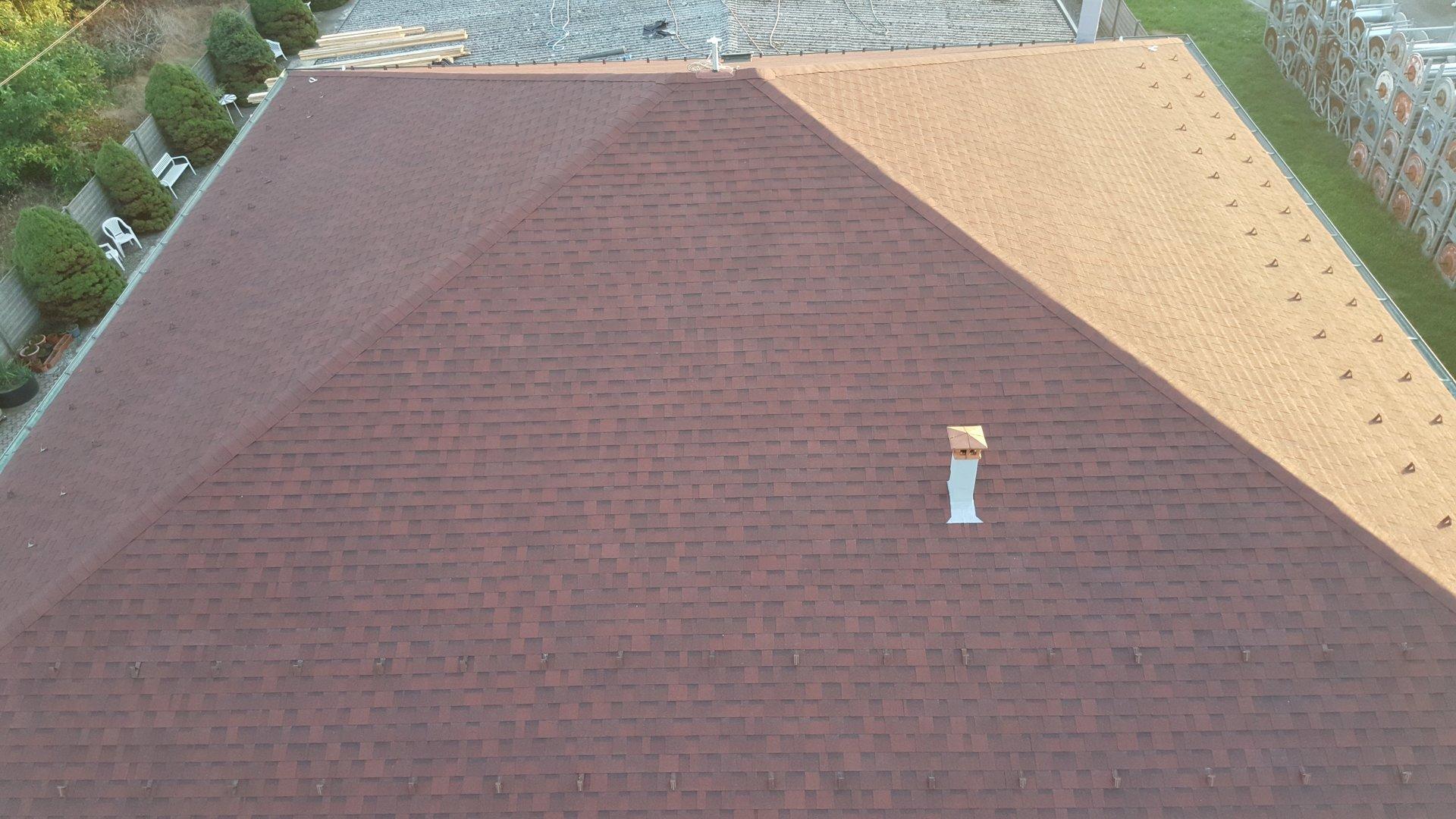 vista dall'alto di un tetto nuovo