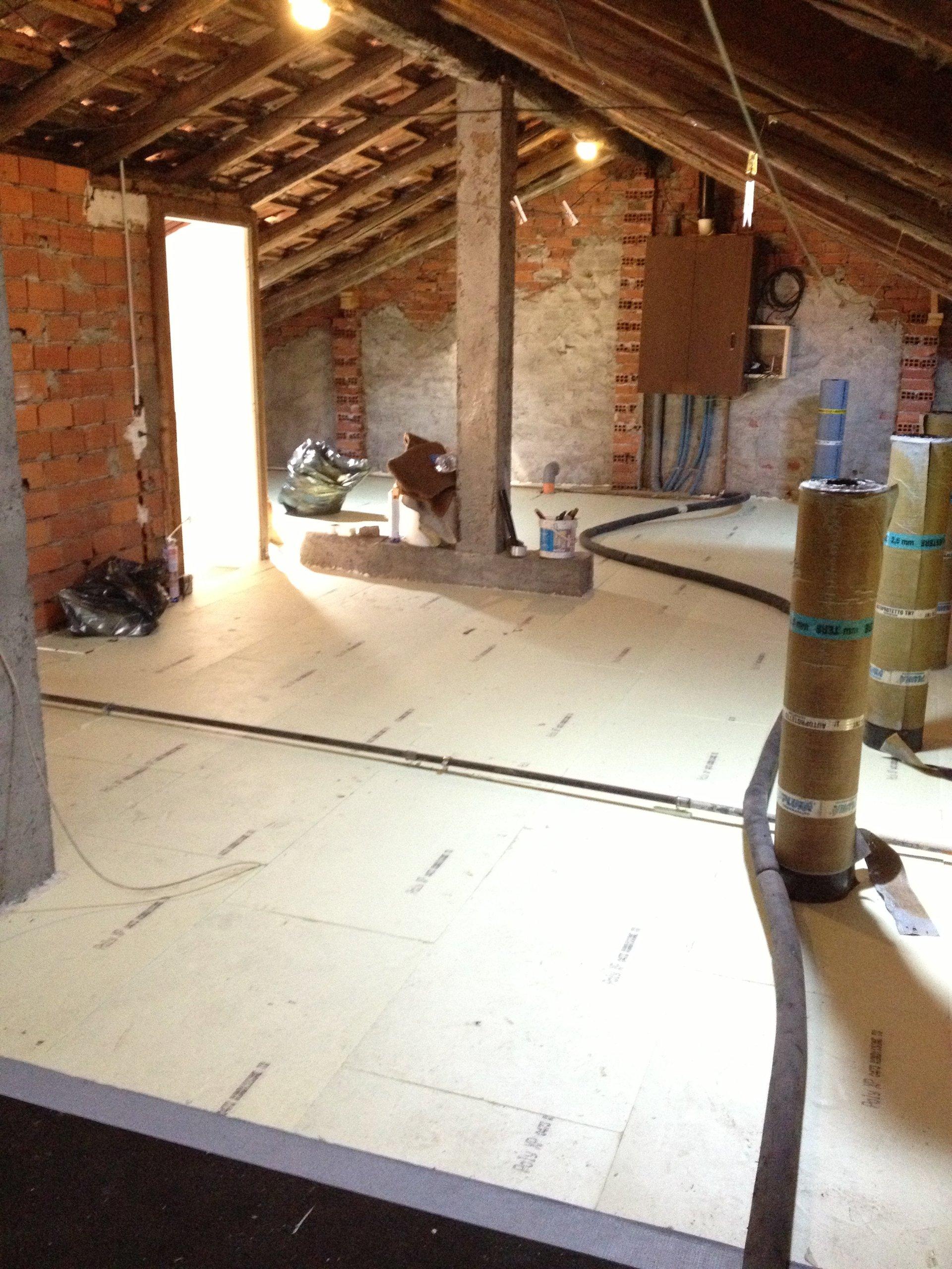 lavoro di coibentazione su un tetto