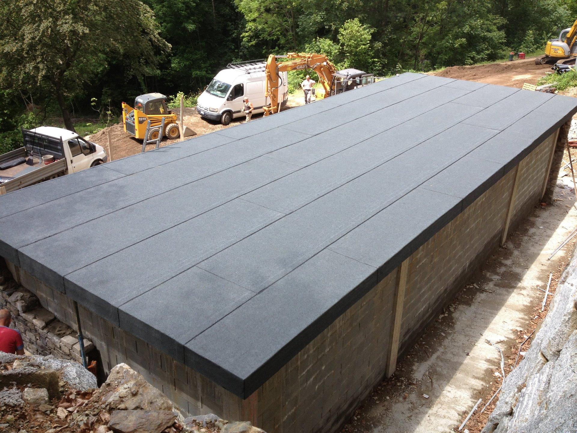 capanno con tetto nuovo