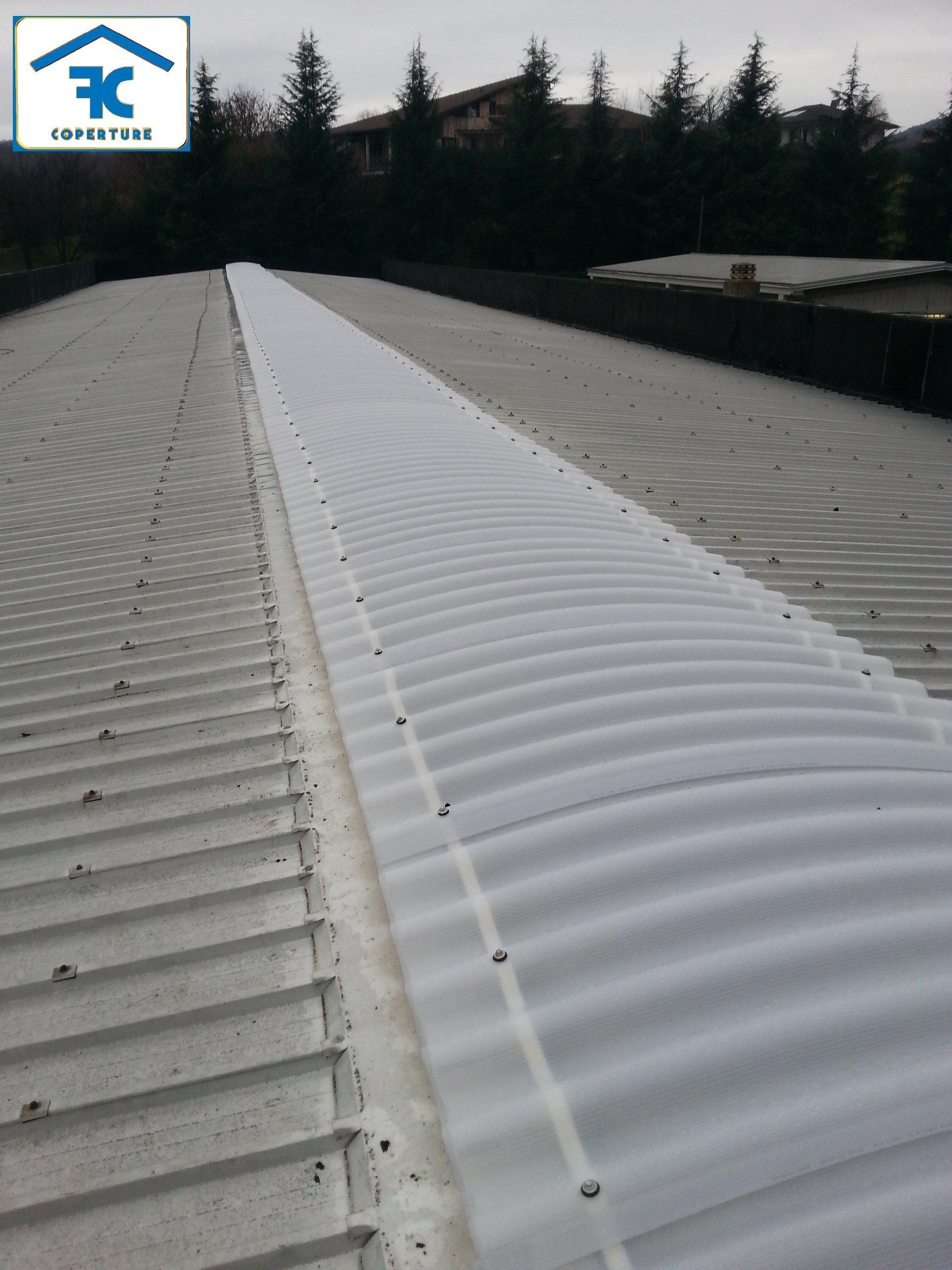 tetto di edificio industriale dopo ristrutturazione