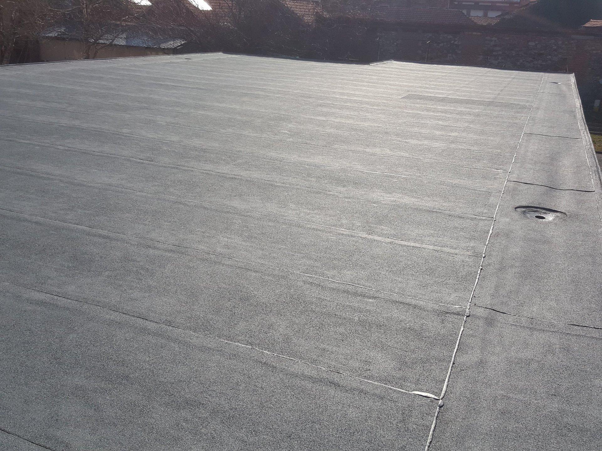 dettaglio rivestimento impermeabilizzante di tetto