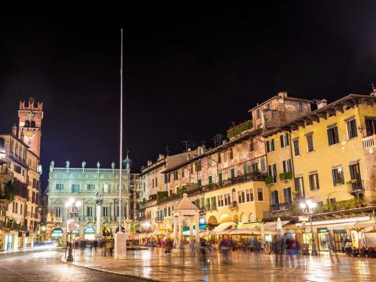 volantinaggio Verona