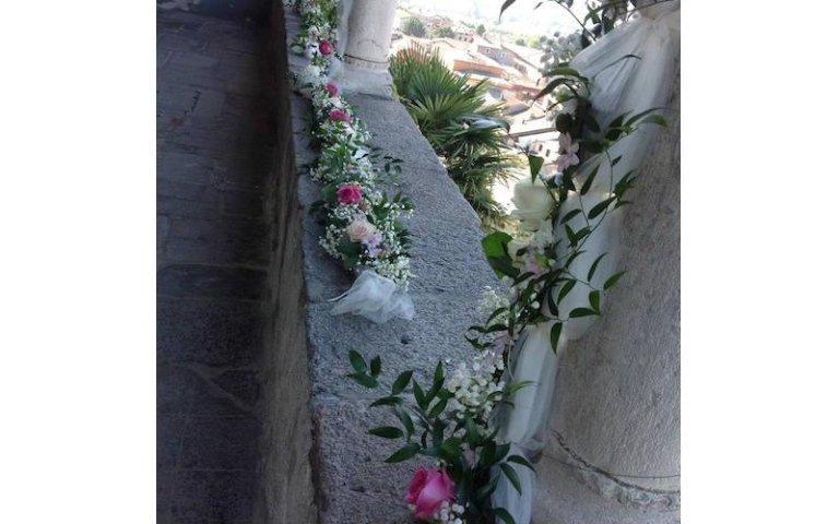 Addobbi floreali per esterni