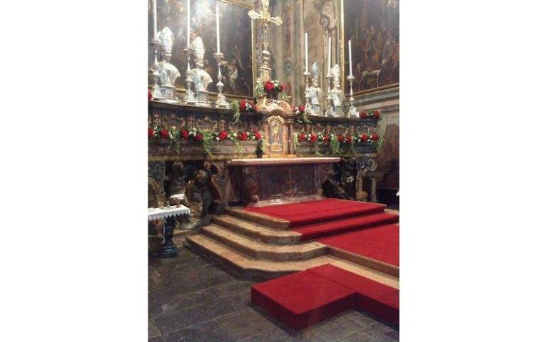 Allestimenti floreali per altare
