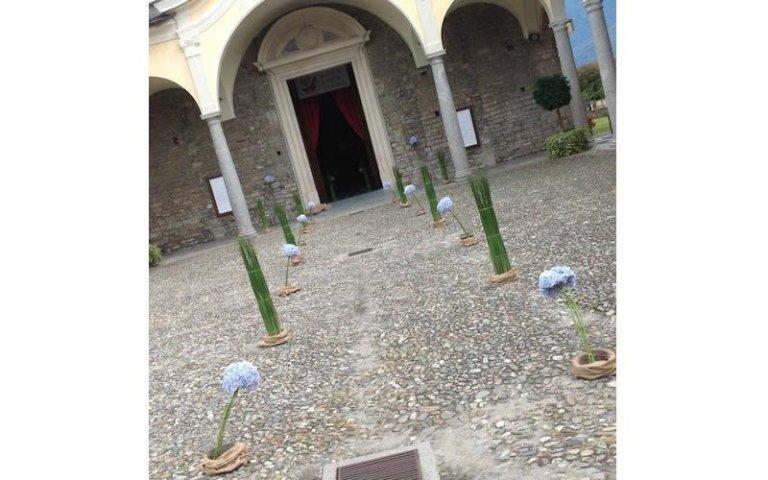 Allestimento esterno alla chiesa