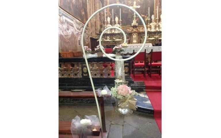 Addobbi floreali matrimonio per chiesa