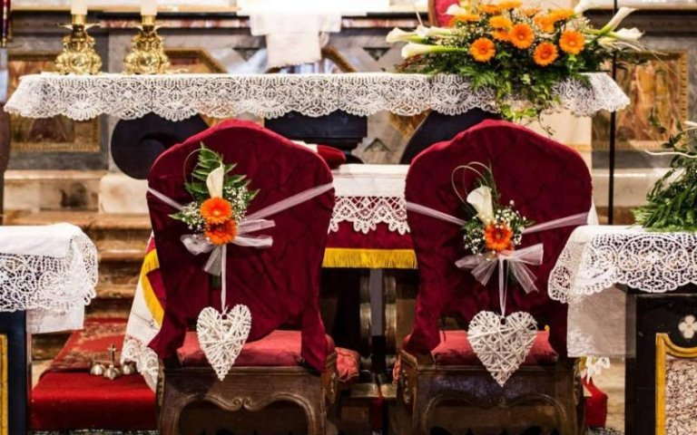 Realizzazione addobbi floreali per sposi