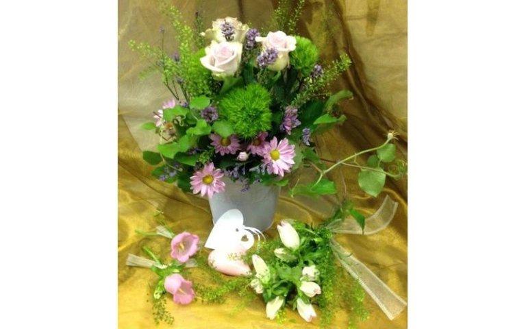 Realizzazione composizioni di fiori