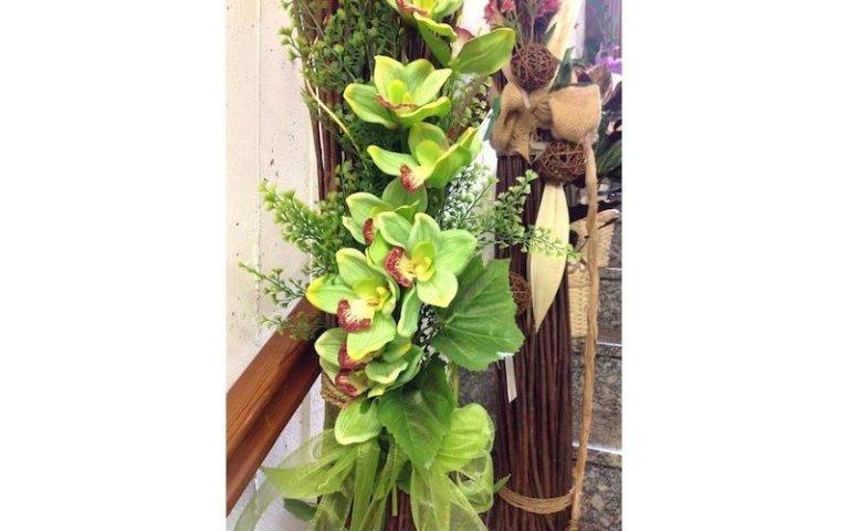 Composizione di piante e fiori