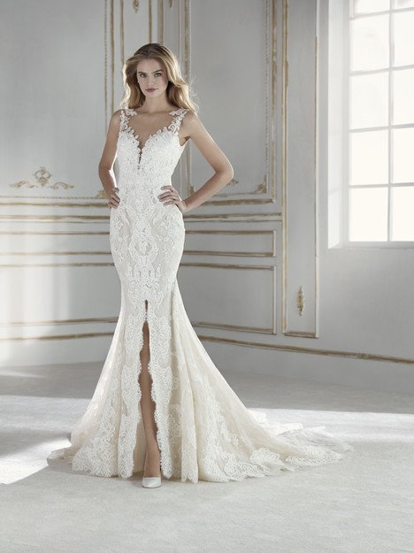 c369a4025423 Paris. Paris. Paris. La Sposa Wedding Dress