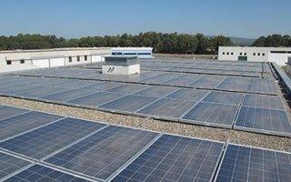pannelli solari su capannone