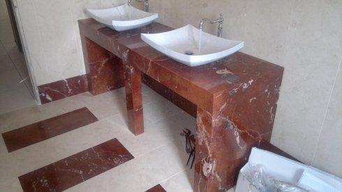 opere in marmo, lavorazione marmo, bagno in stile