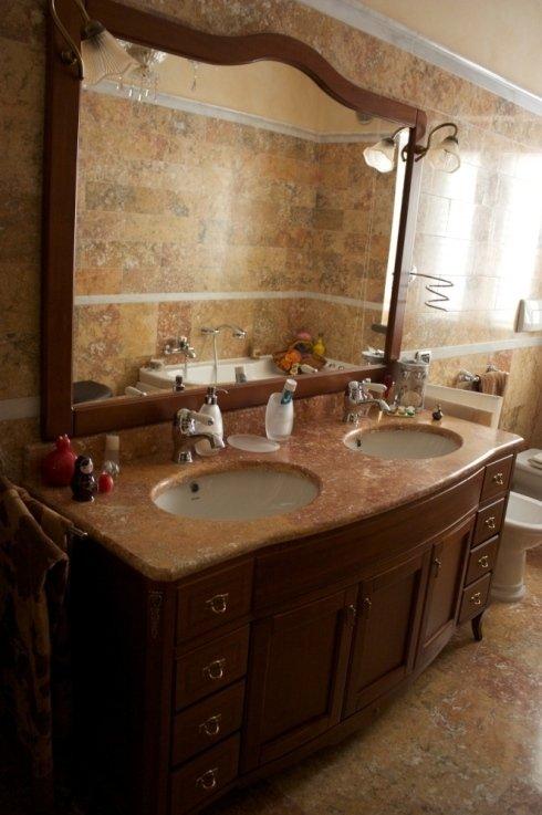doppio lavabo in marmo