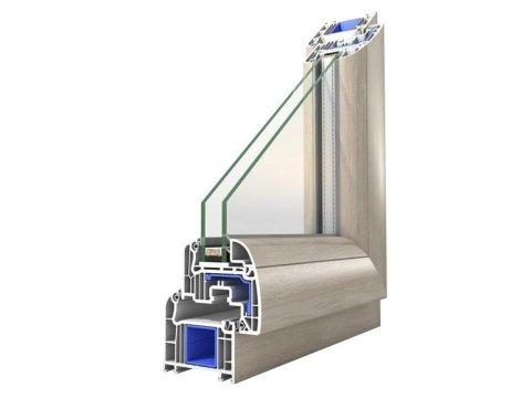 Finestra con doppio vetro in PVC