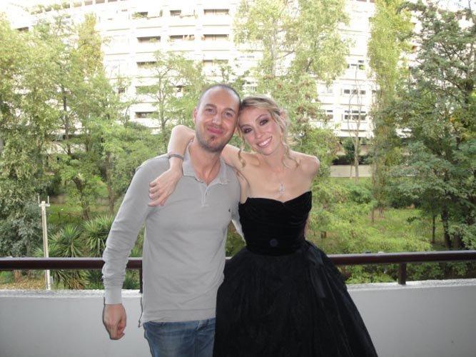 coppia mentre posa per foto sessione