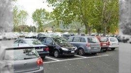 parcheggio automobili