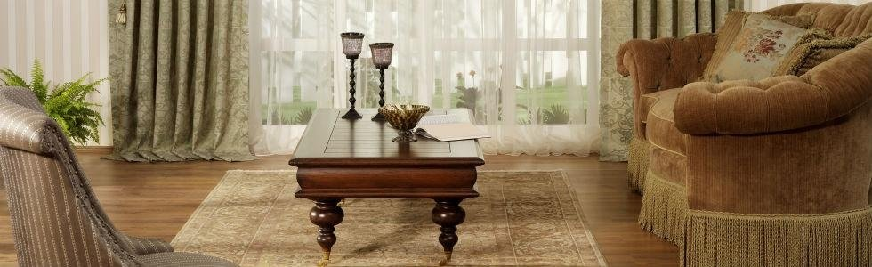tavolino in legno soggiorno