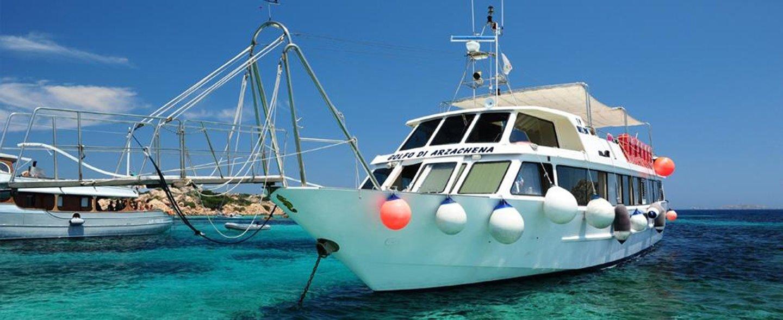 Barca turistica catamarano