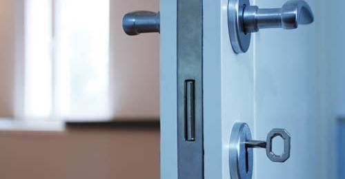 National lock and safe company provides emergency locksmith in Lincoln, NE