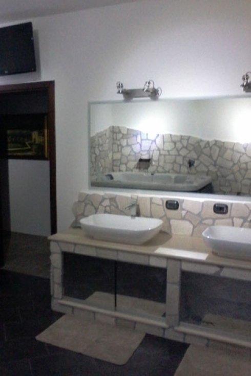 realizzazione bagni in pietra