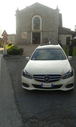mezzi funebri marchio Mercedes