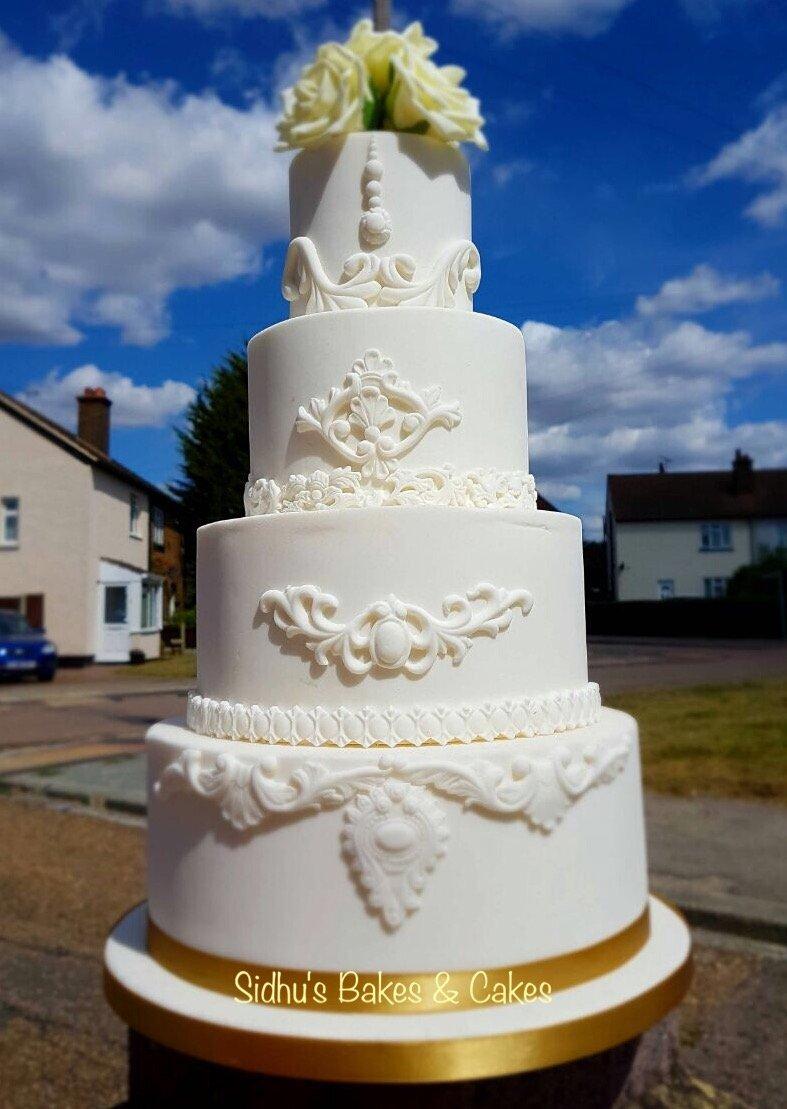 Tasty wedding cakes in Grays