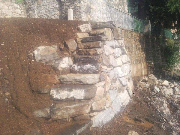 scalinata in roccia