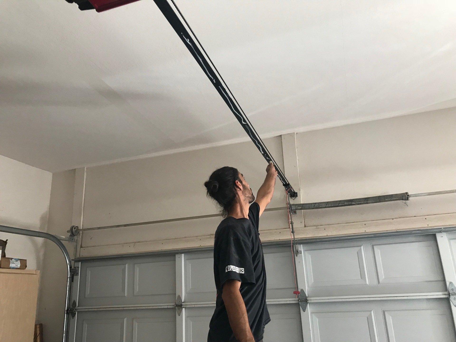 Phoenix express garage door repair and service same day for Casa grande garage door repair