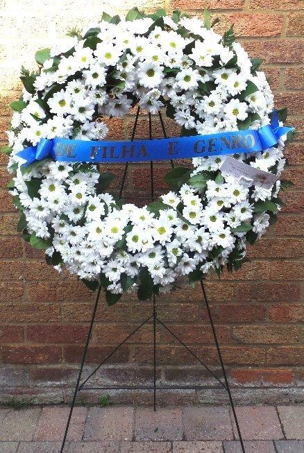 Large Raised Wreath (on Stand)