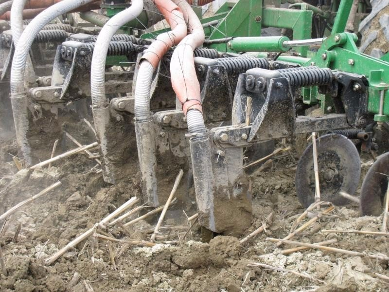 Manure Injection Equipment: Selecting the Right One